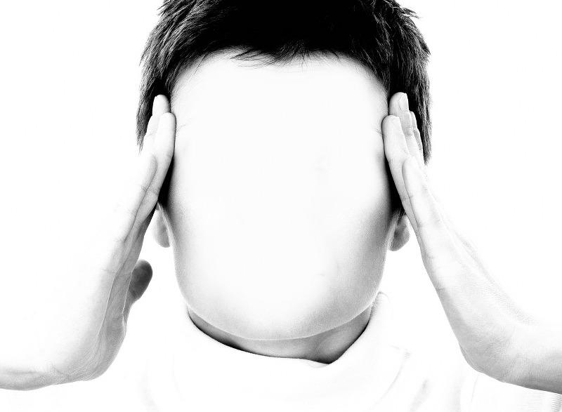 oli-essenziali-rimedio-naturale-contro-il-mal-di-testa_800x587